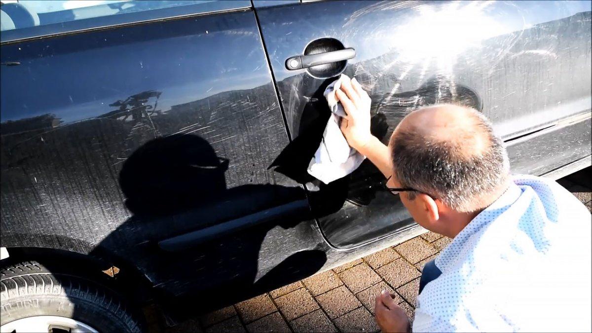Как легко выправить вмятину на машине с помощью кипятка и вантуза