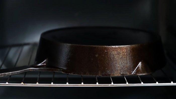 1564745297 8 - Очищаем чугунную сковородку от нагара