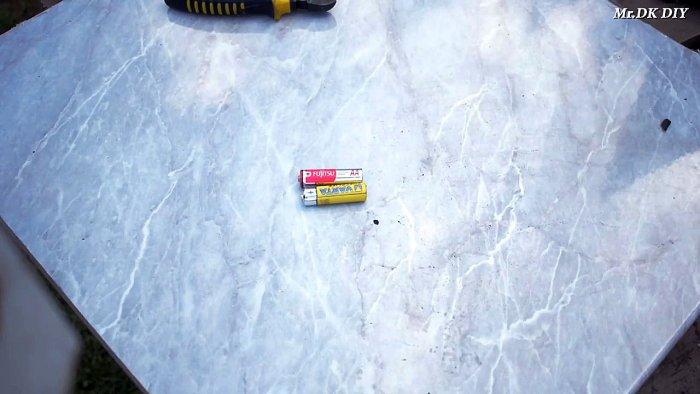1565089727 1 - Как сварить тонкий металл при помощи батарейки