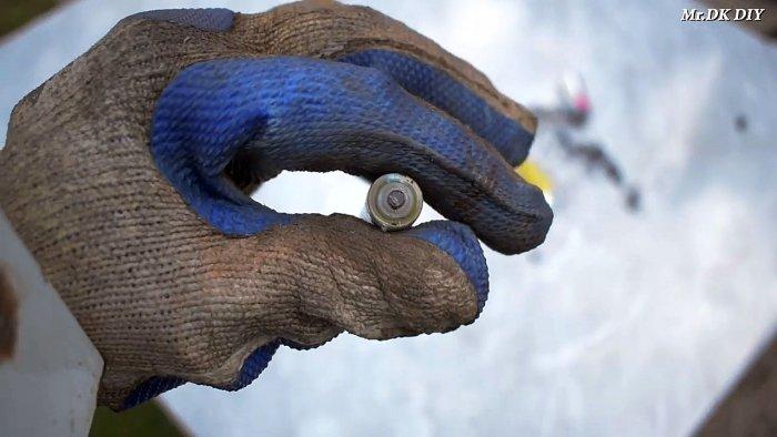 1565089758 3 - Как сварить тонкий металл при помощи батарейки