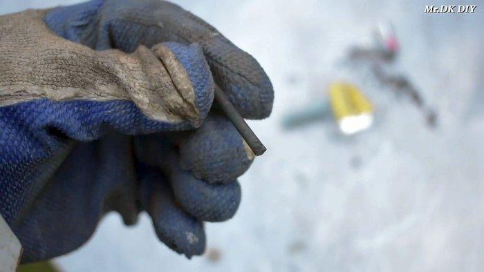 1565089775 4 - Как сварить тонкий металл при помощи батарейки