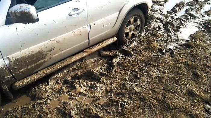 Как выехать из грязи без посторонней помощи