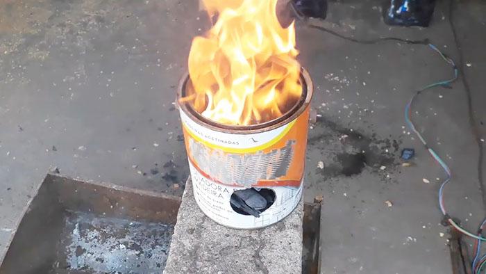 Как быстро закалить ручной инструмент с помощью жестяной банки и древесного угля