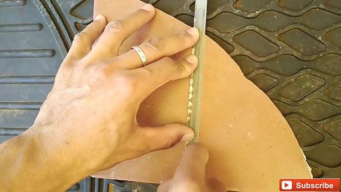 Бесплатный плиткорез из хлама