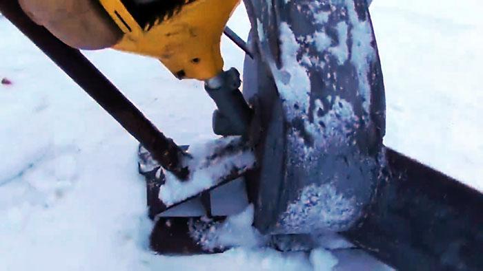 Снегоуборщик из мотокосы своими руками