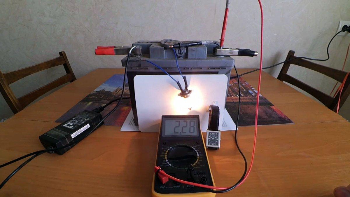 Как зарядить автомобильный аккумулятор блоком питания ноутбука