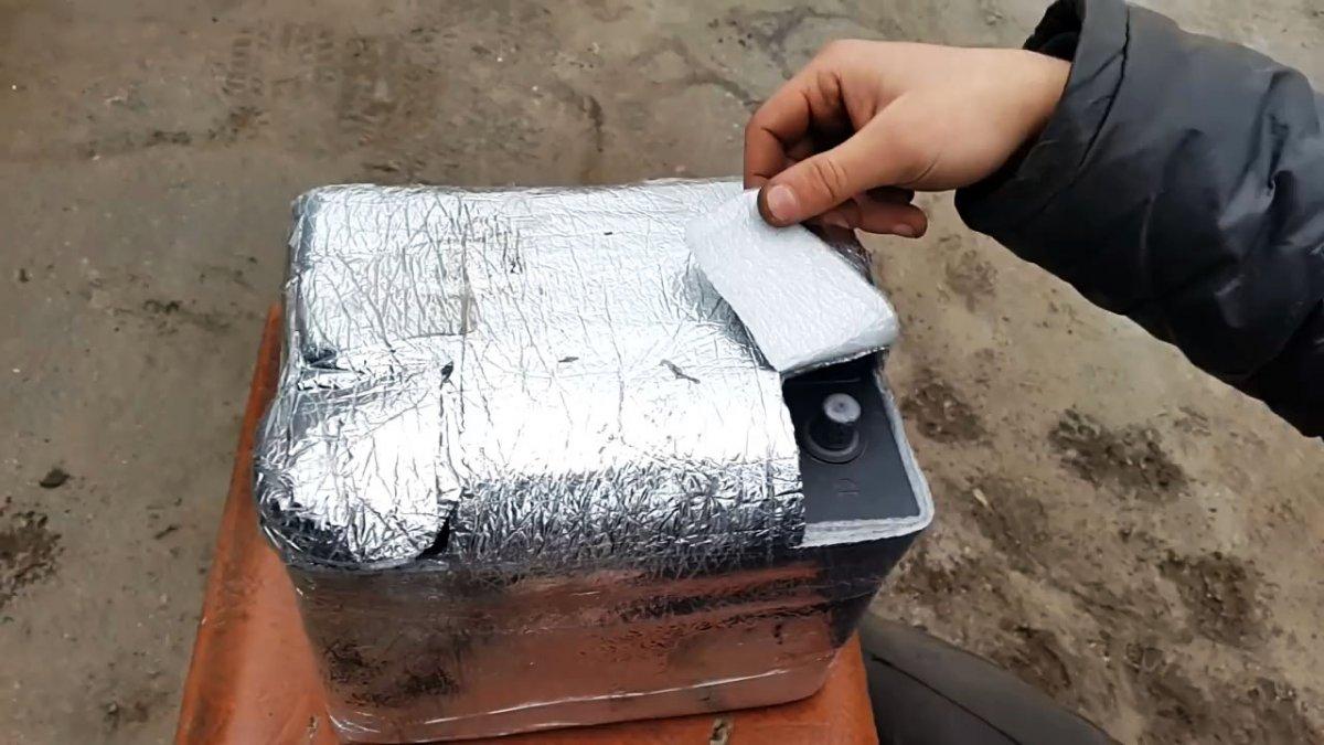 Быстро разряжается аккумулятор зимой? Копеечный способ утеплить батарею