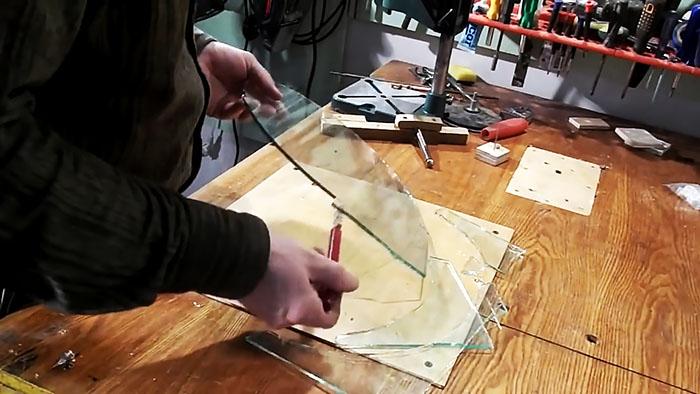 Как врезать круг из стекла