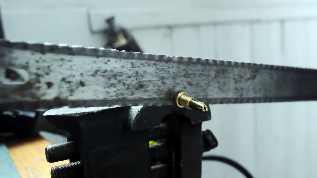 Как сделать ручную швейную машинку для кожи