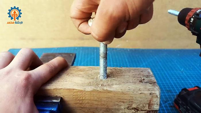 4 нужных инструмента из обычного болта
