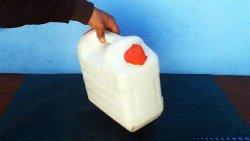 2 полезные самоделки из пластиковой канистры