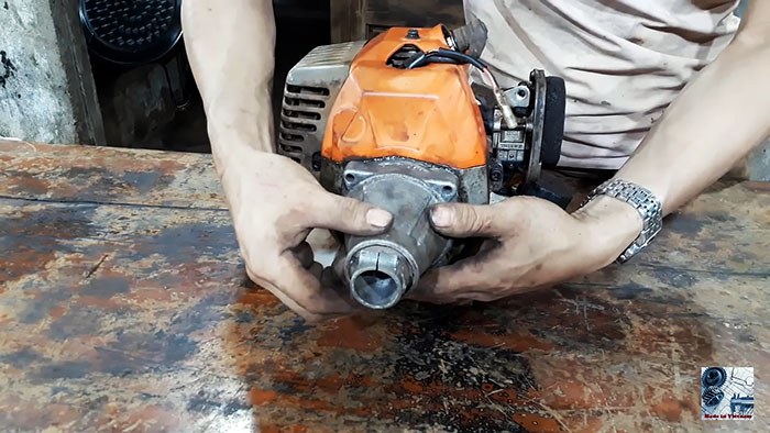 Траншеекопатель из мотокосы и сломанной болгарки своими руками