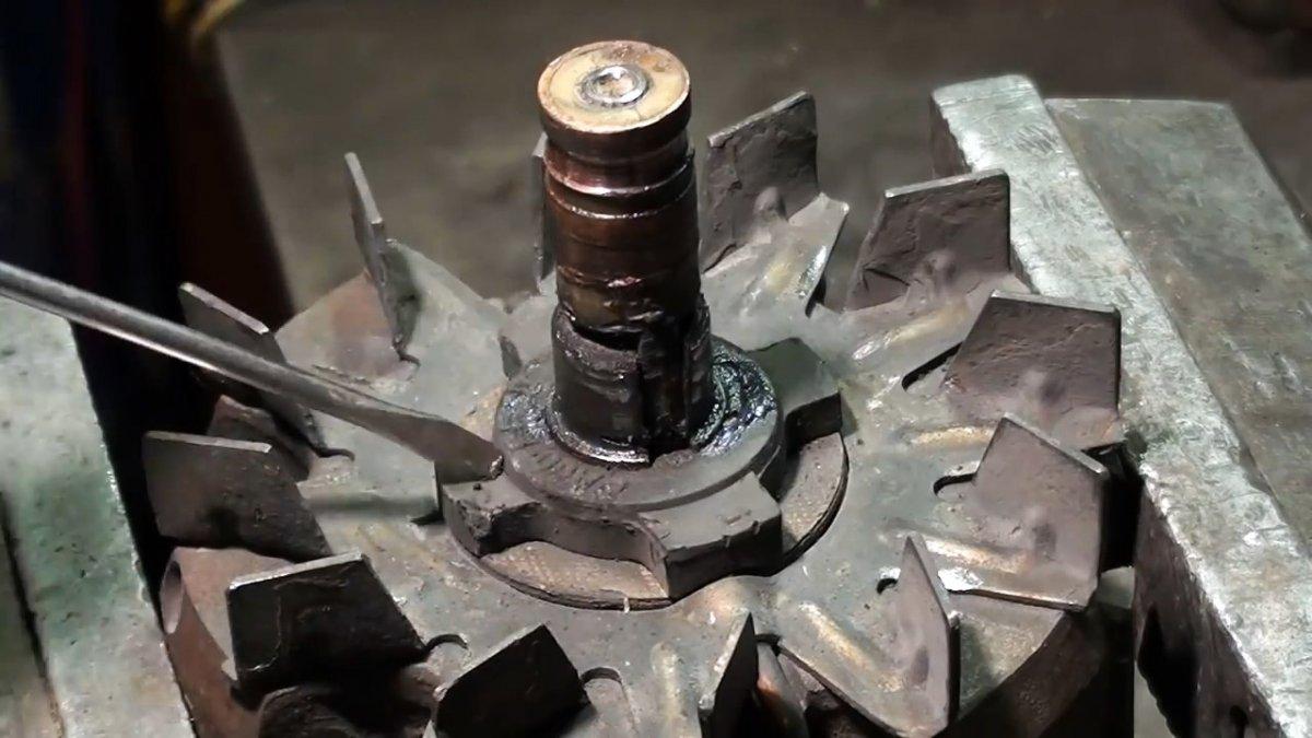 Как поменять токосъемные кольца на роторе генератора