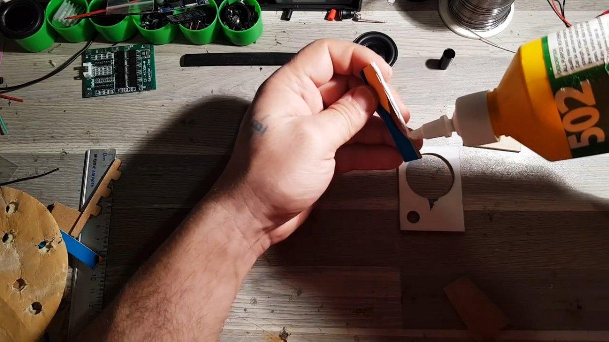 Как сделать мини сабвуфер с Bluetooth