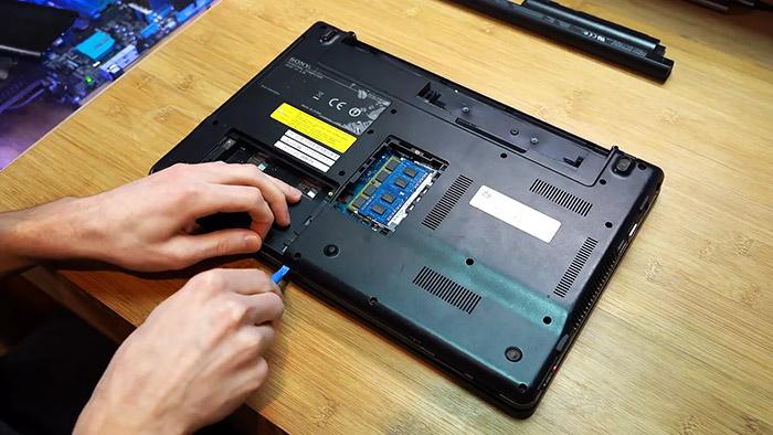 Вторая жизнь старого ноутбука с разбитым экраном