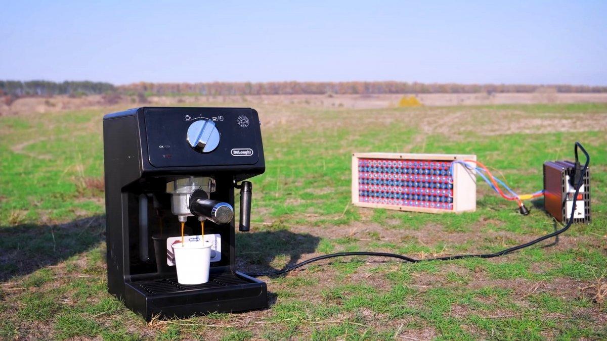 Как сделать супер повер банк от которого работает даже кофеварка