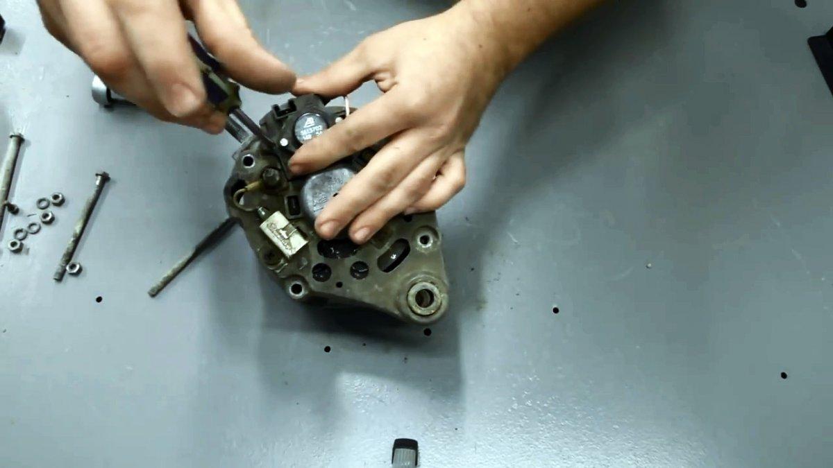 Как сделать мощный мотор из автомобильного генератора
