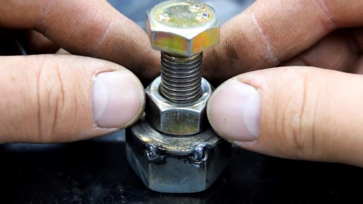 Легкий компактный магнитный контакт для электросварки своими руками