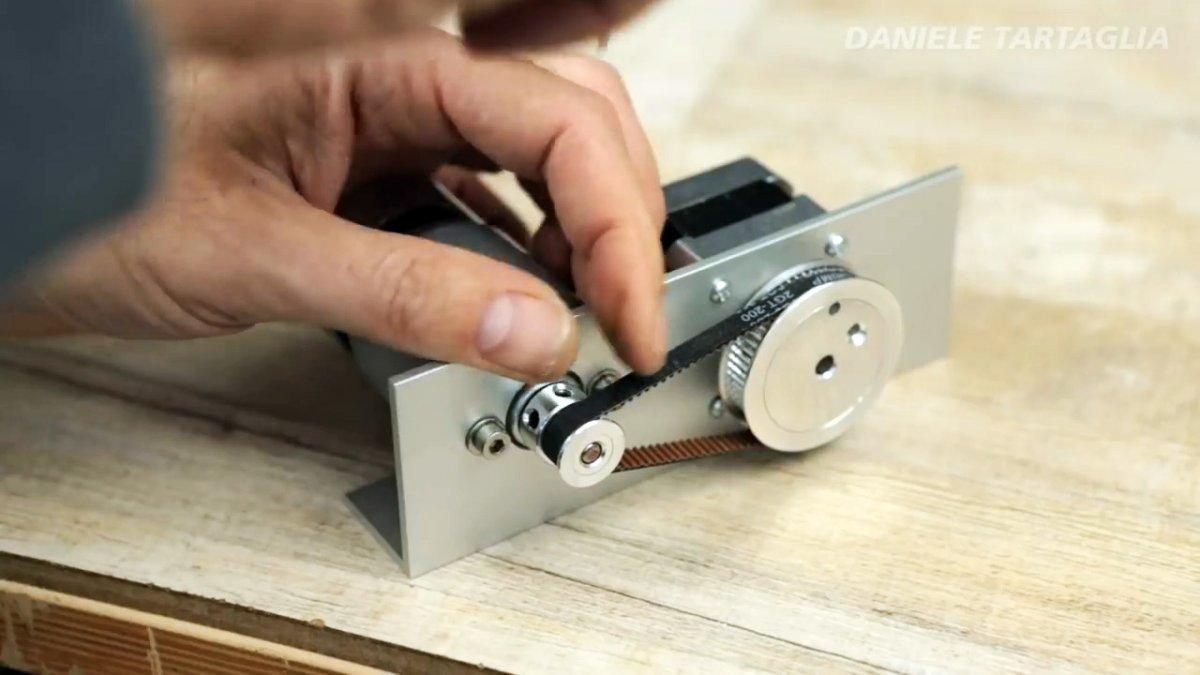 Как собрать струнный лобзиковый станок для фигурной резки
