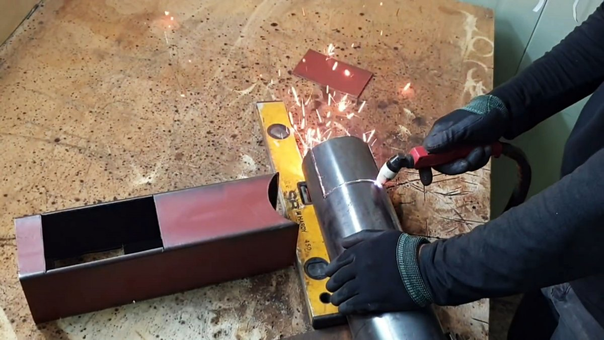 Как сделать простую и многофункциональную ракетную печь