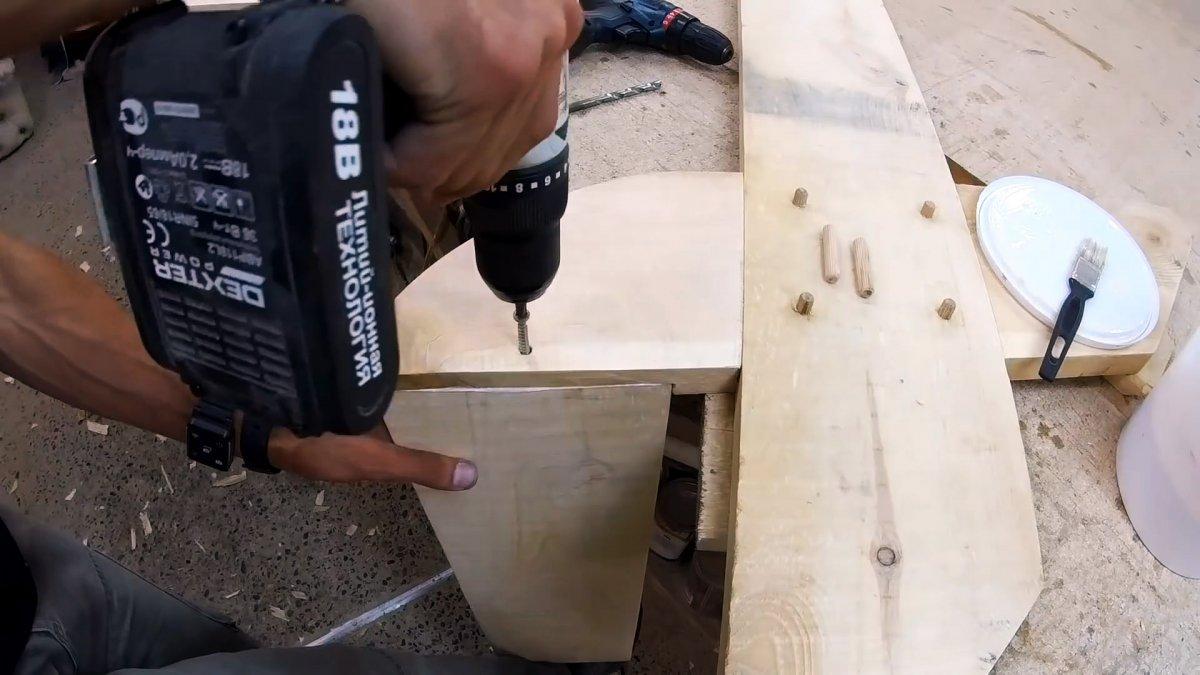 Как сделать крутое кресло-лежак простыми инструментами
