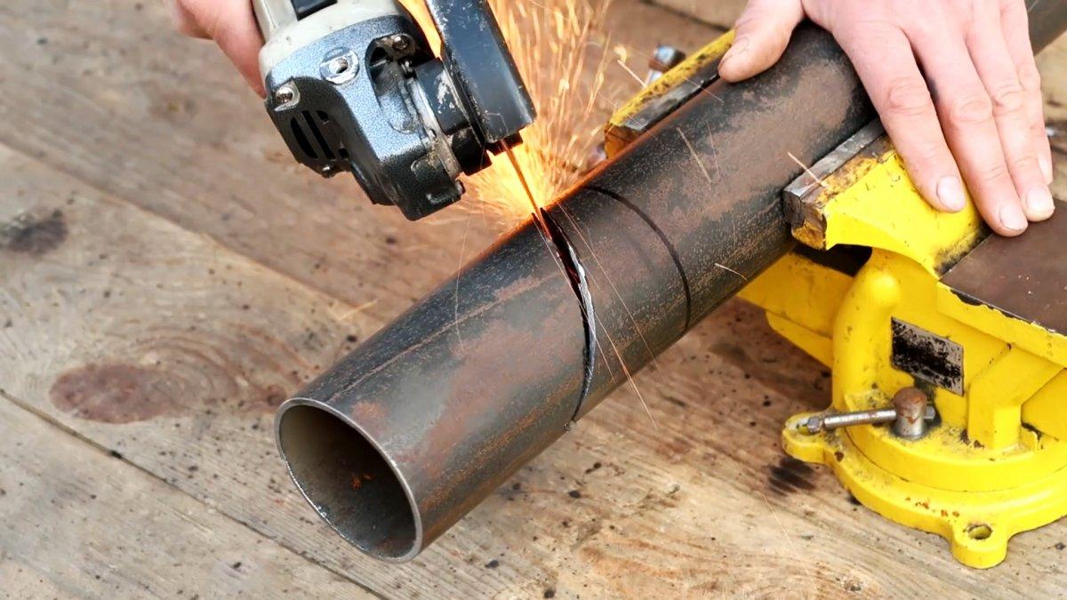 Как сделать тяпку из трубы, которая будет удобнее обычной