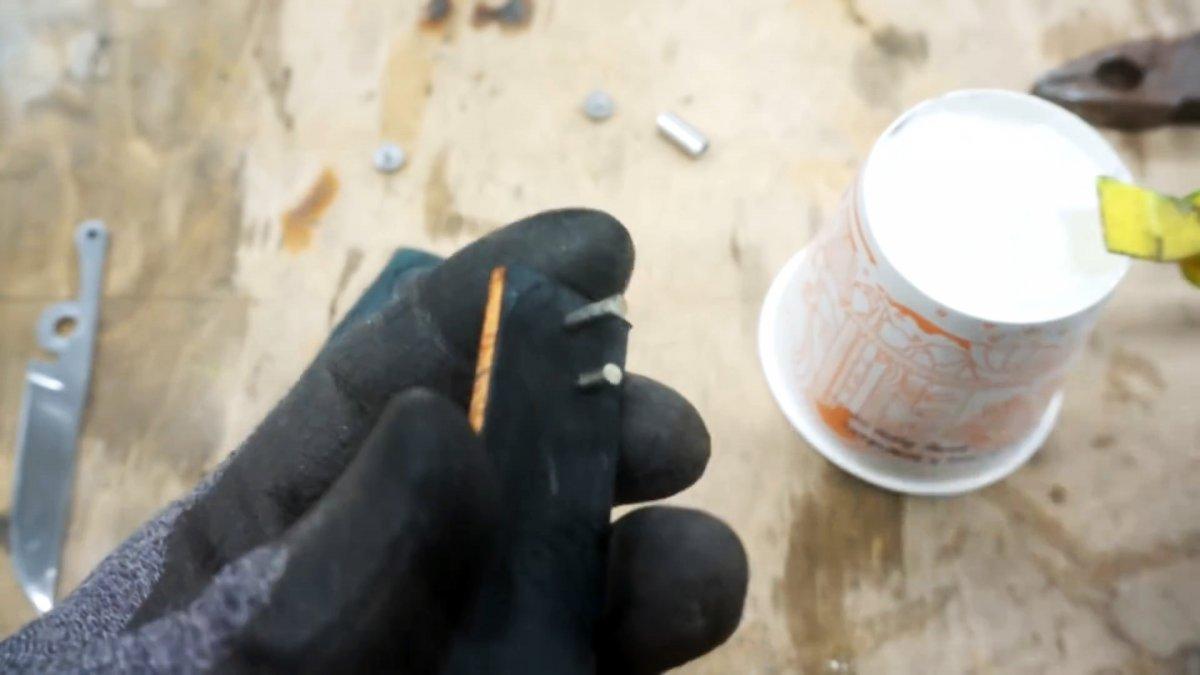 Как из сломанных ножниц сделать складной перочинный нож