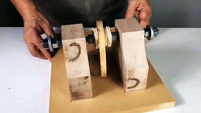 Как сделать из дрели станок для заточки дисковых пил и не только
