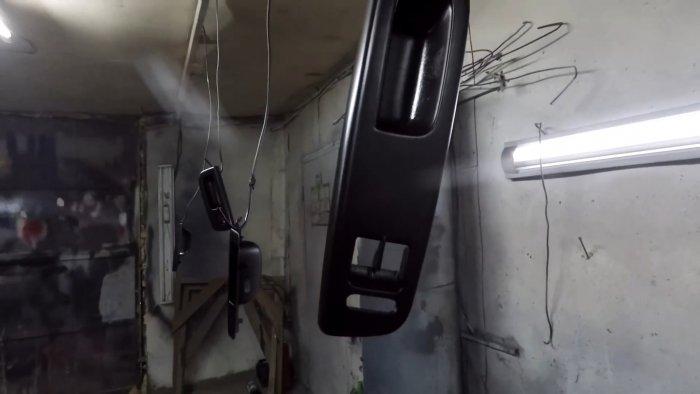 Как восстановить потертый пластик салона автомобиля