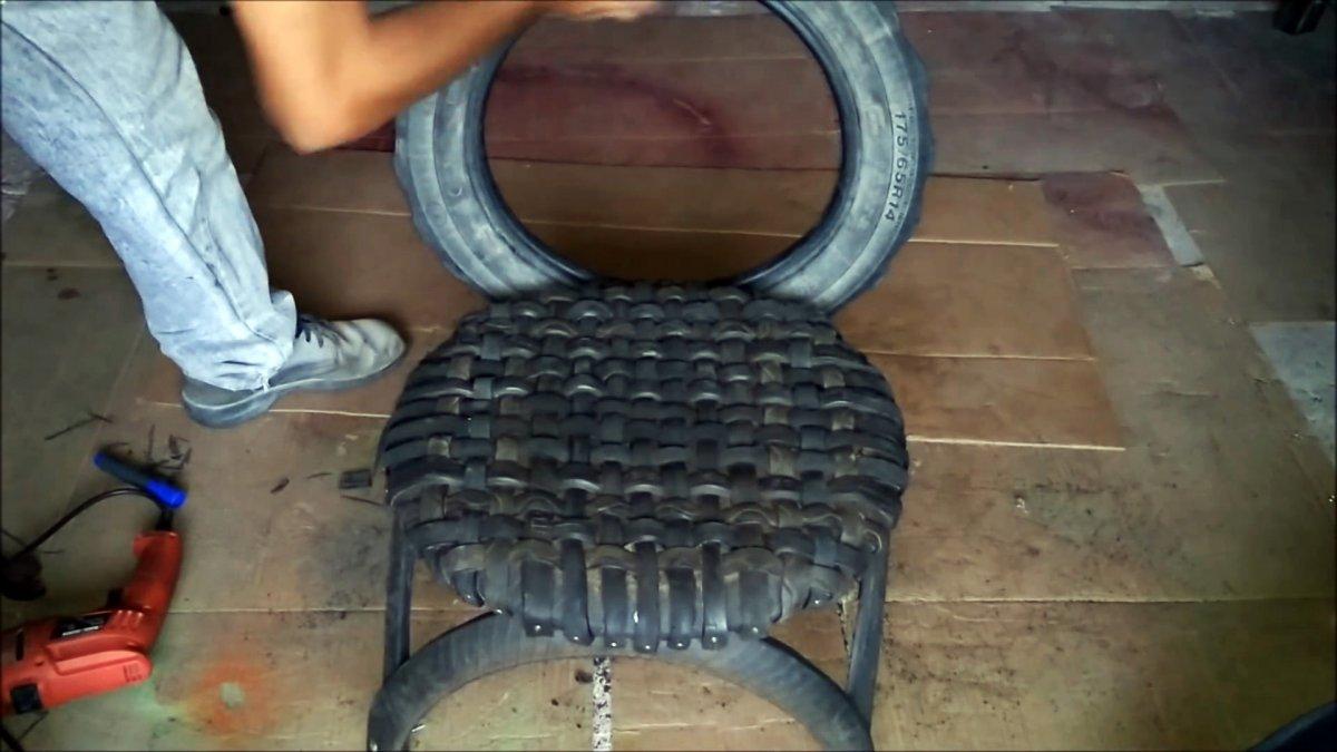 Делаем садовое кресло из старых покрышек