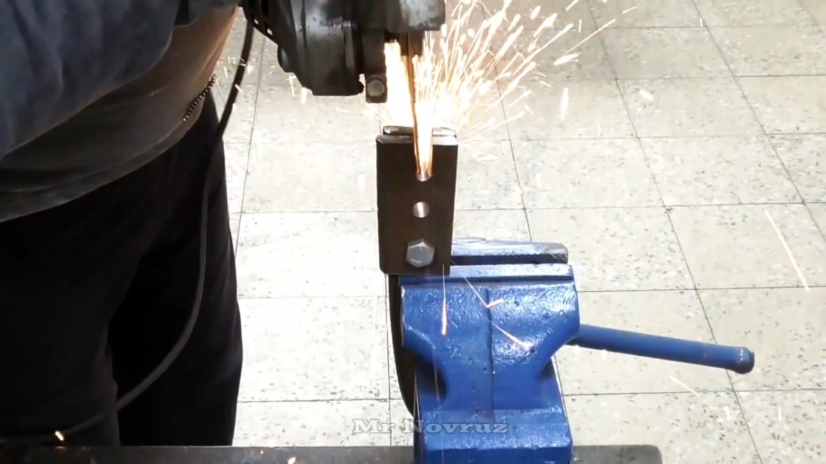 Как сделать рычажные ножницы для перекусывания прутьев и проволоки