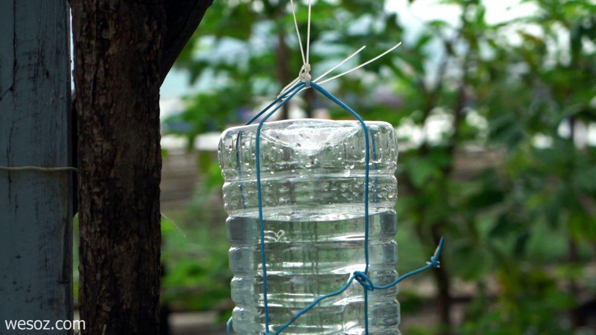 Как сделать умывальник из шприца и пластиковой бутылки