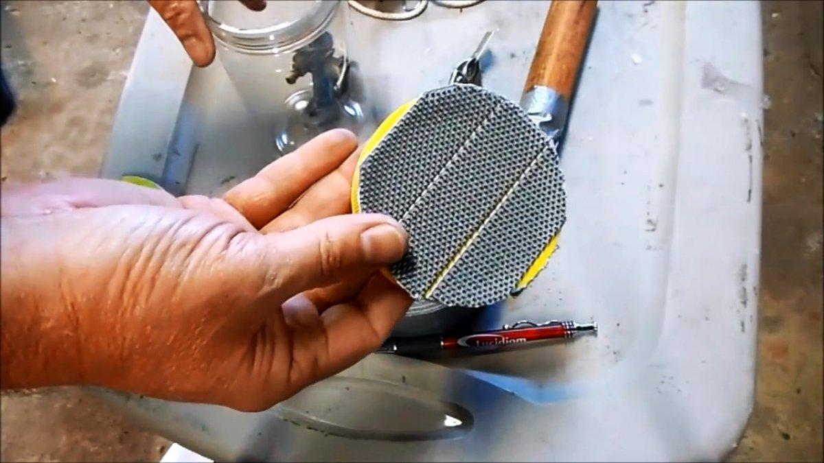 Как шлифмашинкой идеально очистить сложные и мелкие детали автомобиля