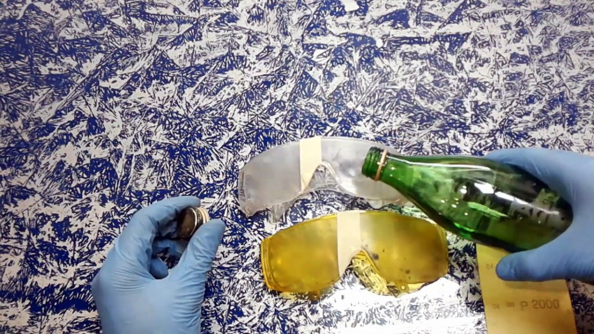 Как вернуть прозрачность пластику вручную