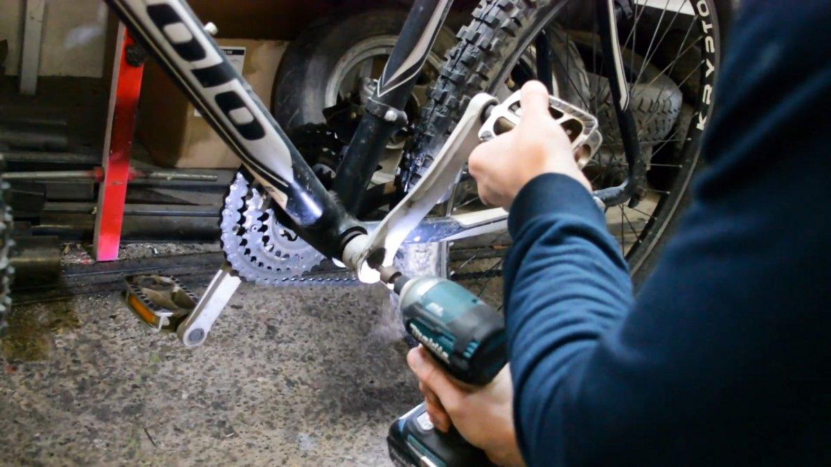 Как установить двигатель от мотокосы на велосипед
