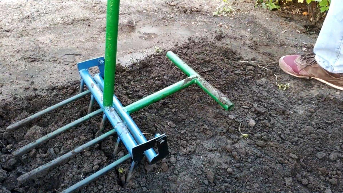 С этим инструментом про лопату для перекопки можно позабыть