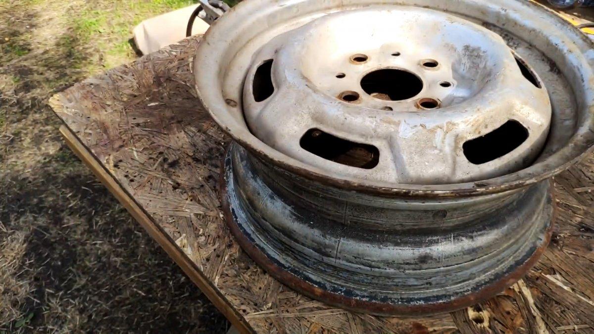 Как по-быстрому сварить катушка для шланга из старых автозапчастей