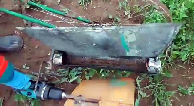 Велосипед и шуруповерт очистят участок картошки от колорадского жука за 10 минут