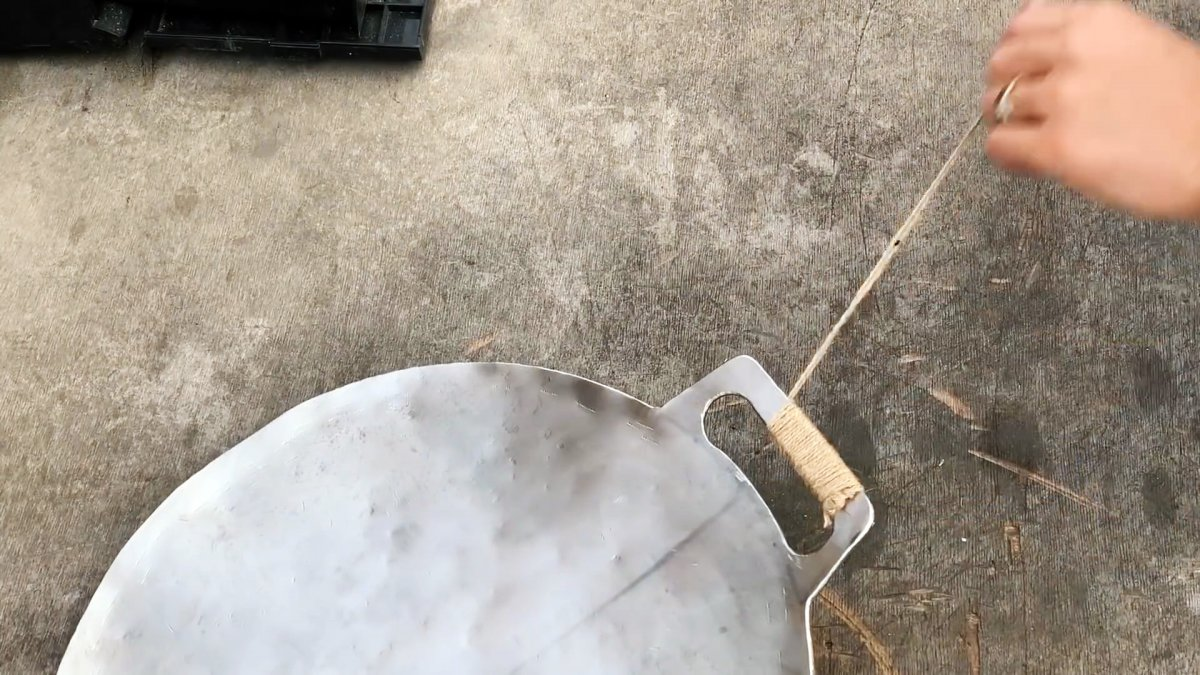 Как из куска нержавейки сделать походную сковороду