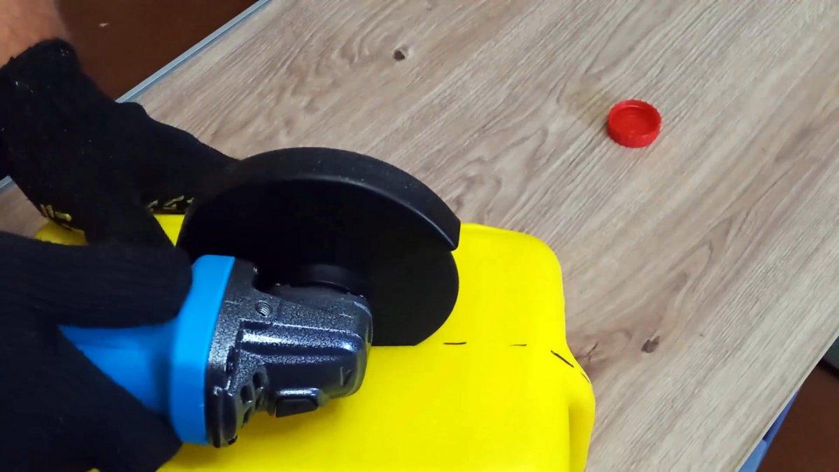 Как из канистры сделать удобный кейс для инструмента