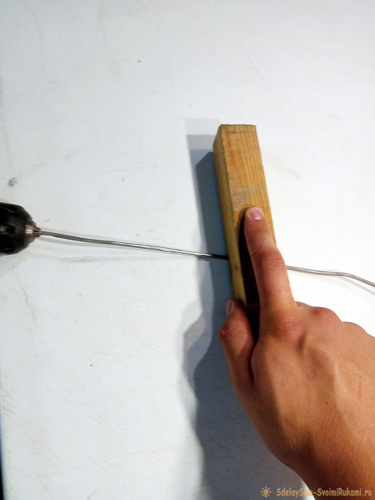 Как за 5 минут сделать скользящую кормушку для рыбалки