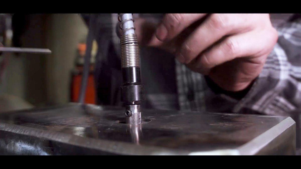 Великолепное применение движка от стиралки: мощный гравировальный станок