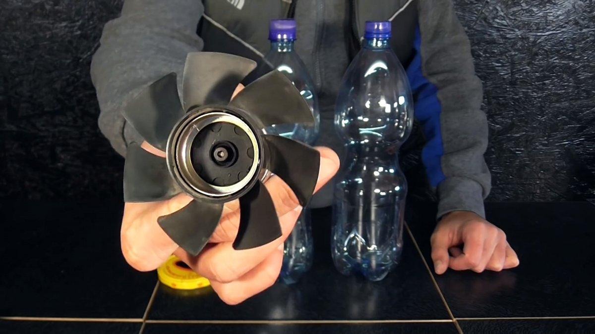 Как из пластиковых бутылок сделать мощный пылесос 12 В