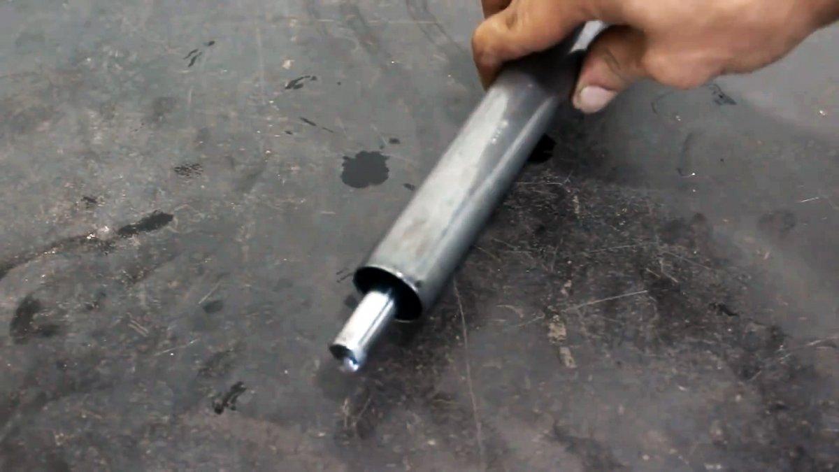 Как сделать бесплатный вибратор для бетона из автомобильного амортизатора