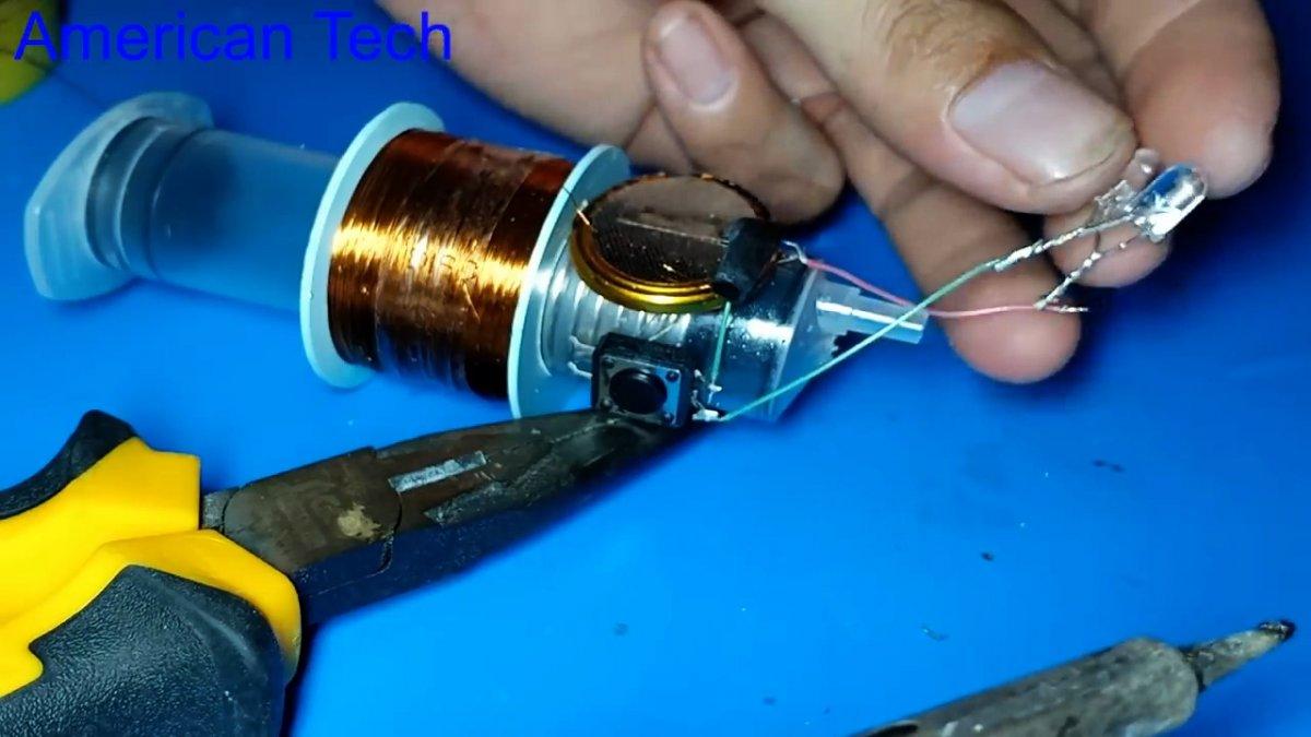 Как из шприца сделать фонарик с генератором