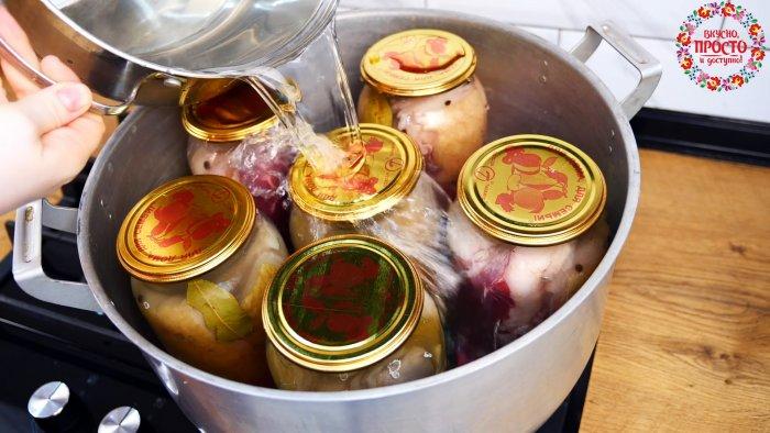 Закуска на все случаи жизни Невероятно вкусный рецепт консервированного сала в рассоле