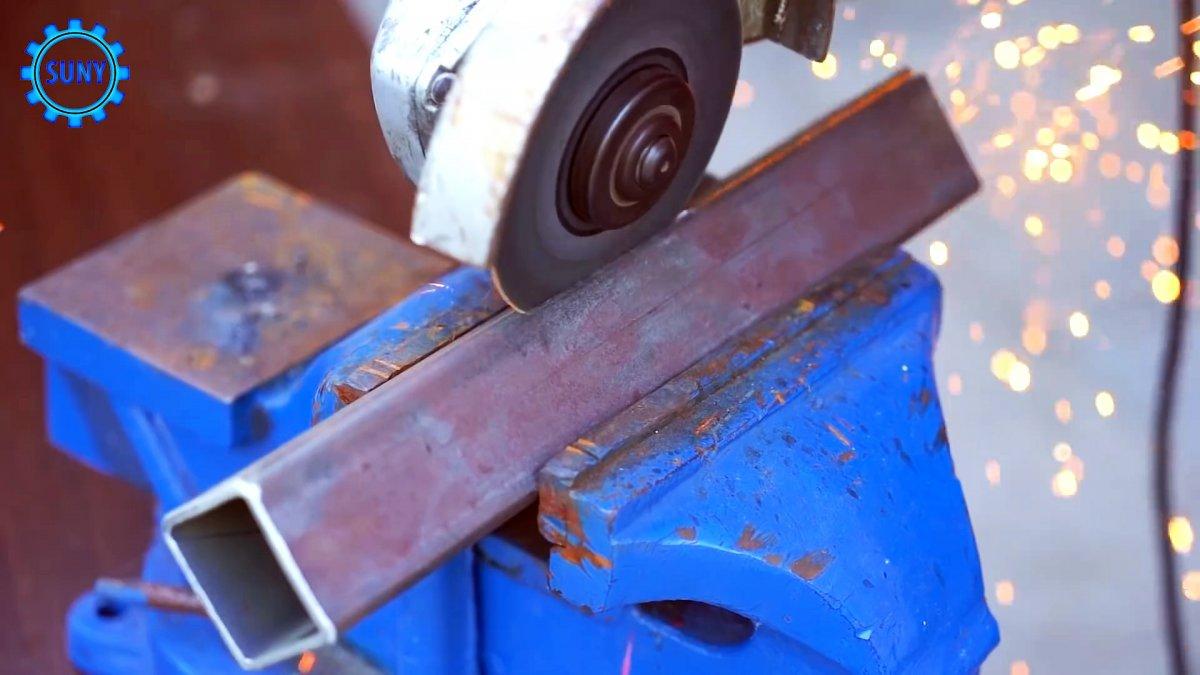 Удобное приспособление из тормозной колодки для сварки труб под прямым углом