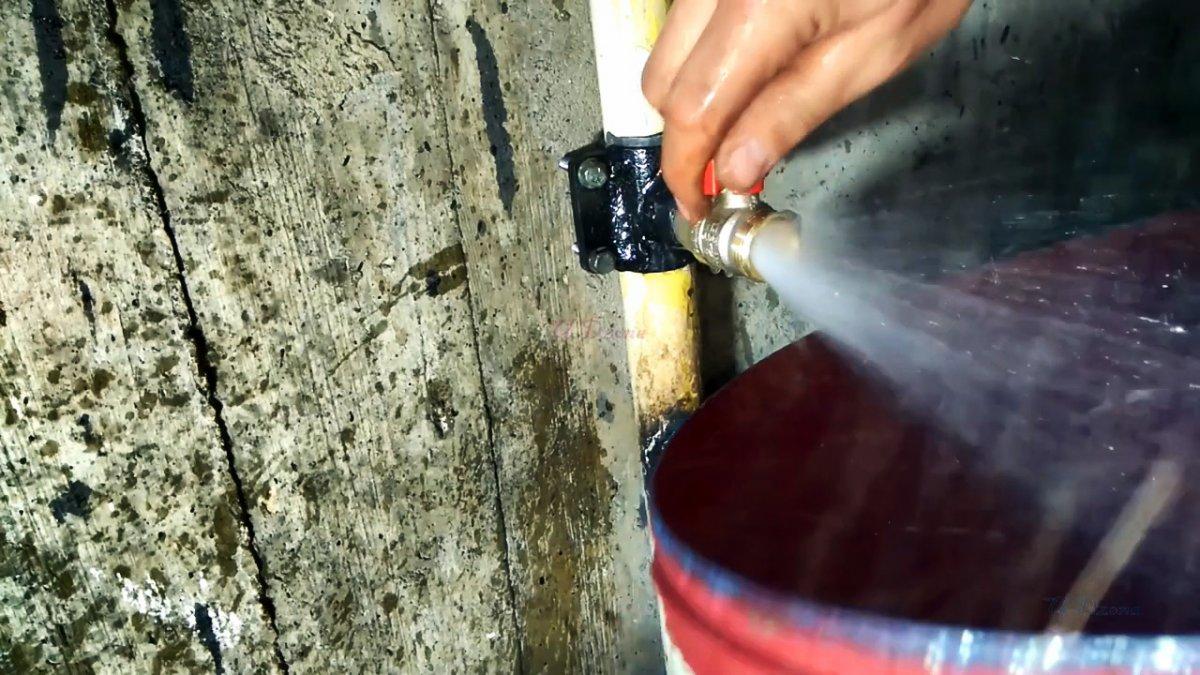 2 способа врезаться в трубу под давлением со сваркой и без