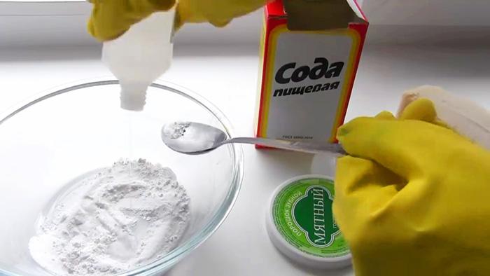 Как отмыть и отбелить пластиковый подоконник от любых пятен