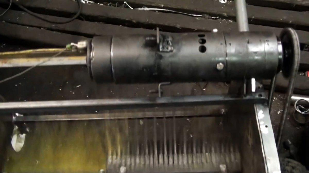 Как сделать механическую щетку для быстрой уборки листвы